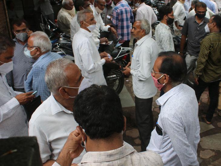 ફરી કેસ આવતા કતારગામના ડાયમંડ યુનિટો બંધ કરાયા : 248 પોઝિટિવ, 4 દર્દીનાં મોત|સુરત,Surat - Divya Bhaskar