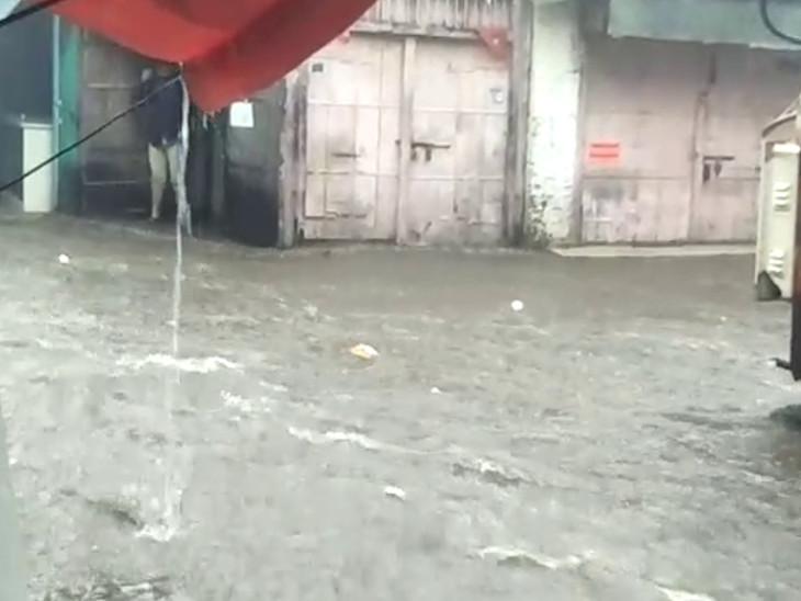 રાજુલાના નીચાણવાળા વિસ્તારોમાં પાણી ભરાયા