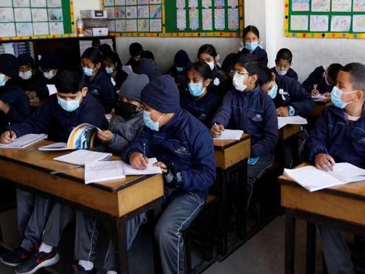 કેન્દ્રીય શિક્ષણમંત્રી રમેશ પોખરિયાલ નિશંકે મંગળવારે ઉચ્ચતર માધ્યમિક ધોરણો માટે વૈકલ્પિક કેલેન્ડર જાહેર કર્યું છે. ફાઇલ તસવીર. - Divya Bhaskar