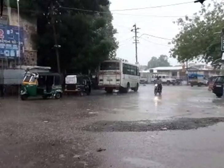 ભાવનગરમાં વહેલી સવારે 4 વાગ્યાથી અનરાધાર વરસાદ શરૂ થયો છે