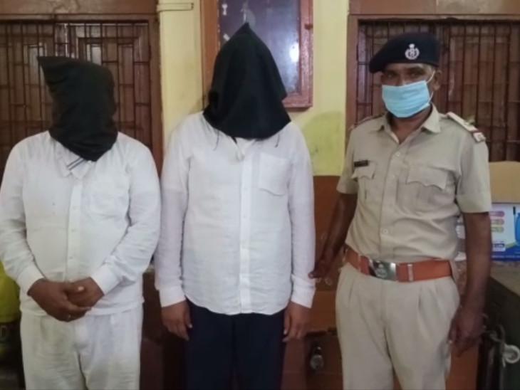 સુરતમાં ગેરેજ માલિકની આત્મહત્યા કેસમાં વ્યાજ માટે ત્રાસ આપનારા બે ઝડપાયા સુરત,Surat - Divya Bhaskar
