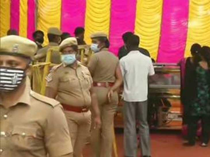 પોલીસ સુરક્ષા વ્યવસ્થા પણ સઘન કરવામાં આવી હતી.