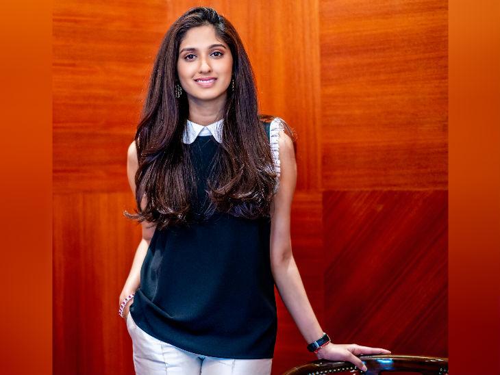 દિલ્હીની રહેવાસી વંશિકા ચૌધરીએ 2017માં કન્યા નામથી મહિલાઓનાં કપડાંનો ઓનલાઇન બિઝનેસ શરૂ કર્યો હતો. - Divya Bhaskar