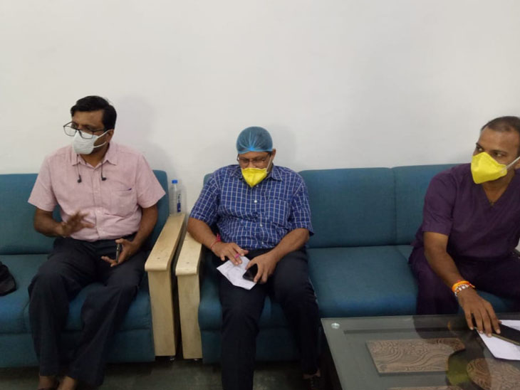 ગાંધીનગર સિવિલના 3 ફિઝિશિયને કોરોનાના ચેપથી બચવા ટીપ્સ આપી - Divya Bhaskar
