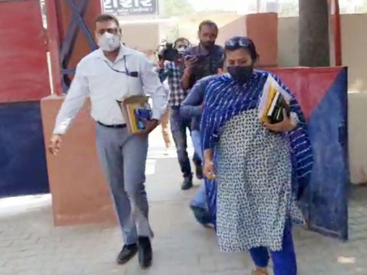 CBIની ટીમ અલીગઢ જેલ પહોંચી, જે ખેતરમાં દુષ્કર્મ થયું હતું તેના માલિકે 50 હજારનો પાક નિષ્ફળ જતા વળતર માંગ્યું ઈન્ડિયા,National - Divya Bhaskar