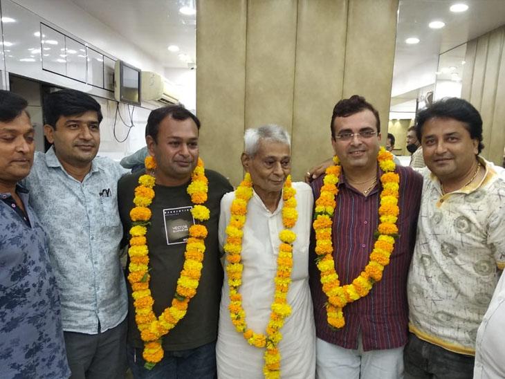 પોરબંદર સોની મહાજન વેપારી એસો.ની 30 વર્ષ બાદ ચૂંટણી યોજાઈ પોરબંદર,Porbandar - Divya Bhaskar