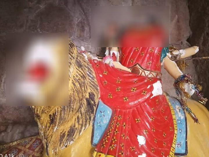 The fundamentalists vandalized the Ganesha temple, smashed the idols; The  administration remained silent even after the video went viral   પાકિસ્તાનના  ગણેશ મંદિરમાં કટ્ટરપંથીઓની તોડફોડ, મૂર્તિઓને ...