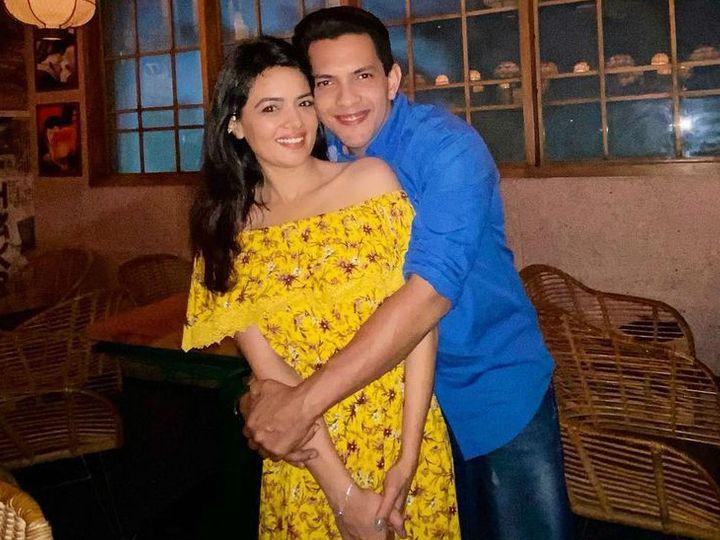 આદિત્ય નારાયણે ગર્લફ્રેન્ડ શ્વેતા સાથે પહેલો ફોટો શેર કરીને સોશિયલ મીડિયાથી દૂર રહેવાનું જાહેર કર્યું, ડિસેમ્બરમાં લગ્ન થશે બોલિવૂડ,Bollywood - Divya Bhaskar