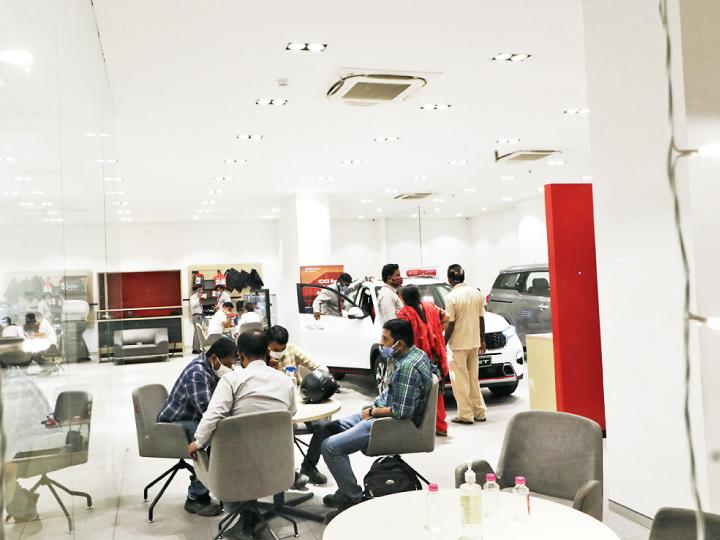 ટુ વ્હિલર અને કાર માર્કેટ નવેમ્બરમાં 20%નો ગ્રોથ હાંસલ કરશે|બિઝનેસ,Business - Divya Bhaskar