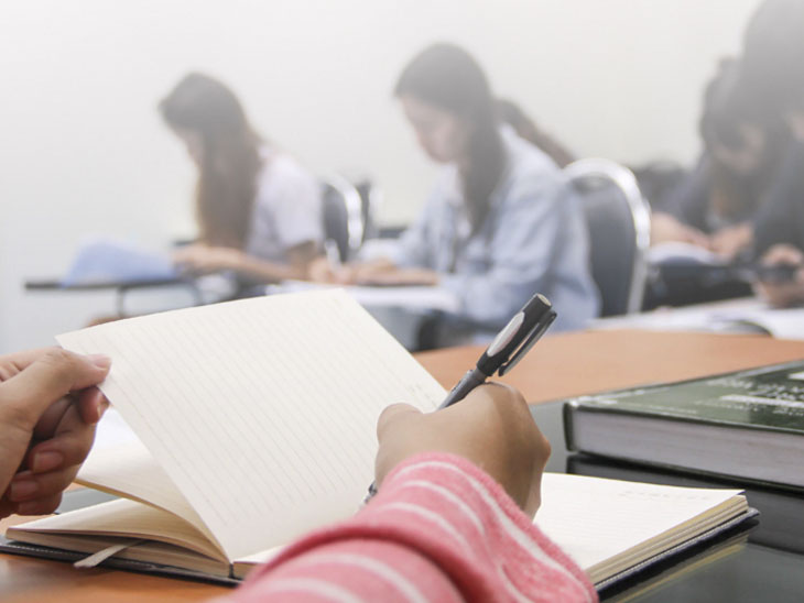 શિક્ષકોનું રિવિઝન, દરેક ચેપ્ટરના 3 થી 5 પિરિયડ ભણાવવા પડશે, ગાઇડલાઇન મુજબ સ્કૂલ ખુલતા જ શિક્ષકો પર વર્કલોડ વધશે|રાજકોટ,Rajkot - Divya Bhaskar