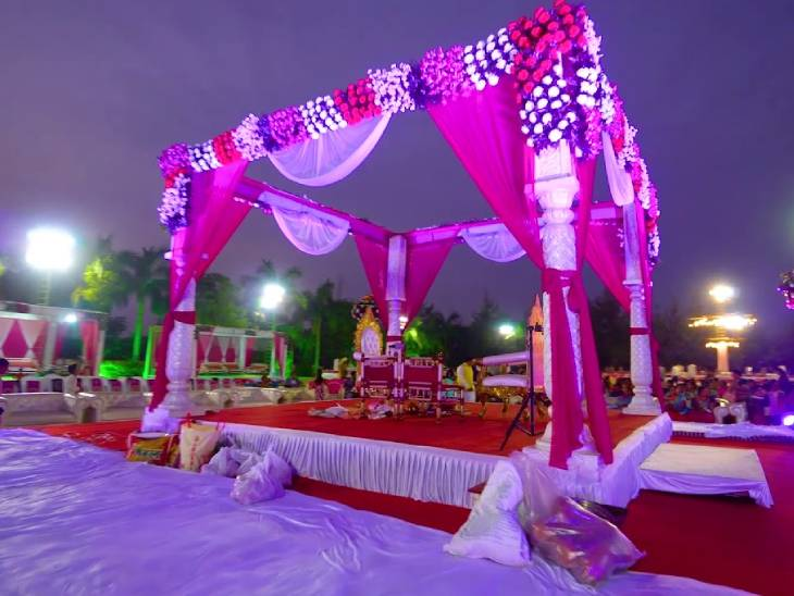 અમદાવાદના કર્ફ્યૂમાં 1700 લગ્નો અટવાયાં, કંકોતરી વહેંચાઈ ગઈ, મહેમાનો આવી ગયાં, હવે લગ્નો રદ કરવા પડ્યા અમદાવાદ,Ahmedabad - Divya Bhaskar
