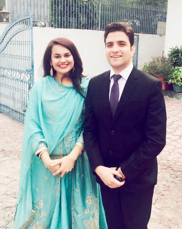 IAS ટોપર ટીના ડાબીએ ફેમિલી કોર્ટમાં કરી છૂટાછેડાની અરજી, 2018માં બની હતી કાશ્મીરી પુત્રવધૂ|ઈન્ડિયા,National - Divya Bhaskar