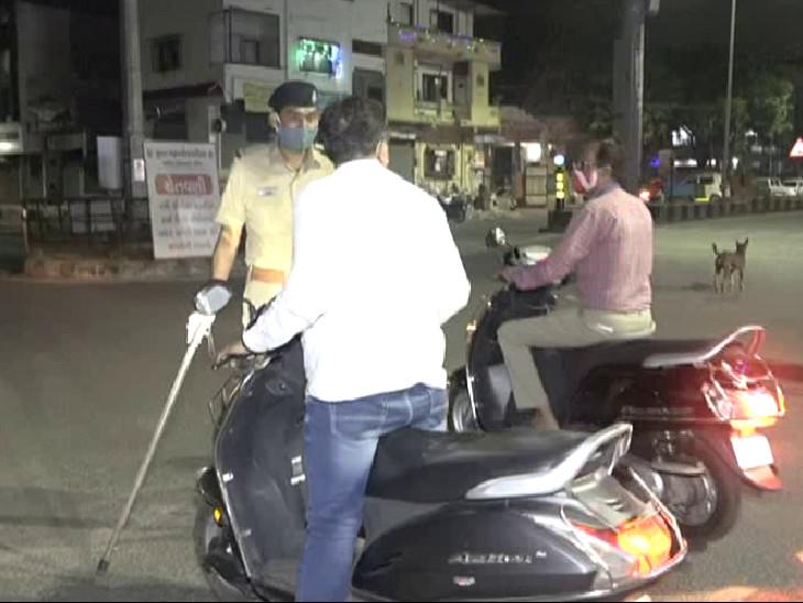 શહેરના તમામ રસ્તાઓ પર પોલીસે પેટ્રોલિંગ શરૂ કર્યું, સુરતીલાલાઓએ ઘરમાં રહીને કર્ફ્યૂના અમલમાં સહયોગ આપ્યો|સુરત,Surat - Divya Bhaskar