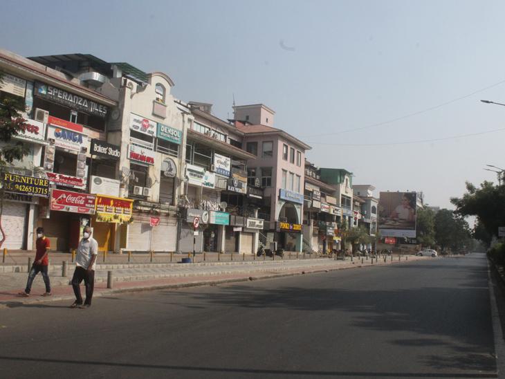 પ્રહલાદનગરના રોડ સુમસામ, મેડિકલ સ્ટોર સિવાય બંધુ બંધ