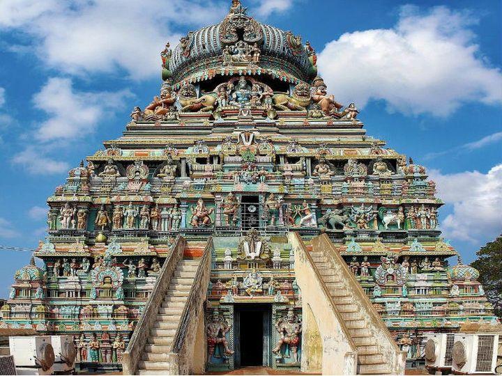 કૂડલ અઝગર મંદિર 600 વર્ષથી વધારે જૂનું છે, જમીન ઉપર આ મંદિરના શિખરનો પડછાયો પડતો નથી|ધર્મ,Dharm - Divya Bhaskar