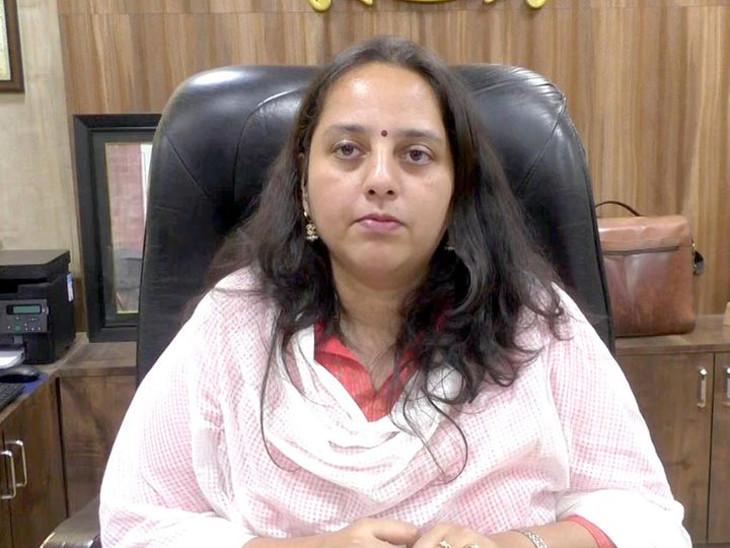 રાજકોટના કલેક્ટર રેમ્યા મોહને કોરોના અને હિરાસર એરપોર્ટની કામગીરી વિશે માહિતી આપી - Divya Bhaskar