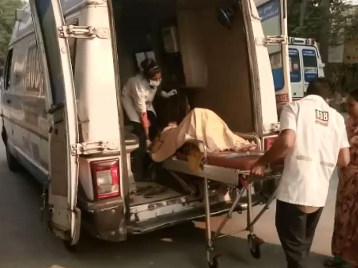સુરત સિવિલ હોસ્પિટલના ટ્રોમા સેન્ટર બહાર 108માં EMTએ ચાલુ એમ્બ્યુલન્સે સગર્ભાની પ્રસુતિ કરાવી, દીકરીનો જન્મ થયો|સુરત,Surat - Divya Bhaskar