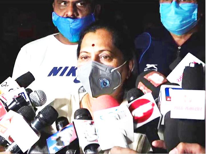 રાજકોટના મેયર બીનાબેન આચાર્યએ મીડિયાને બેજવાબદારીભર્યુ નિવેદન આપ્યું - Divya Bhaskar