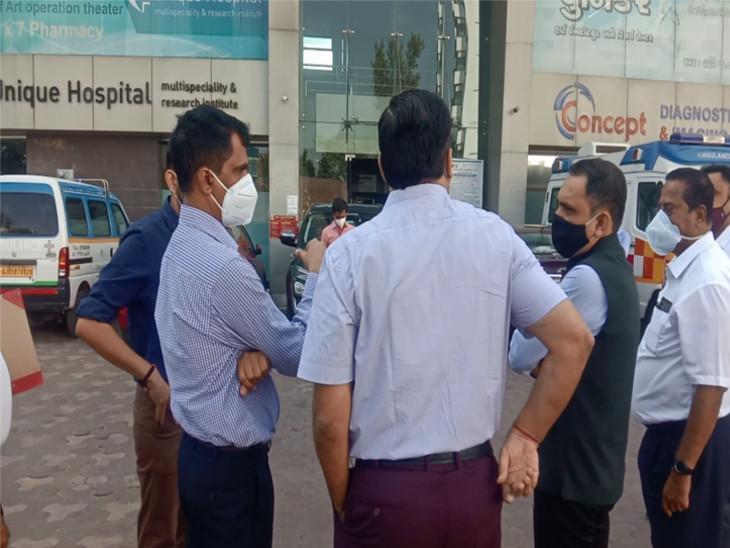 રાજકોટના અગ્નિકાંડ બાદ સુરતમાં ફાયર વિભાગ દ્વારા કોવિડ હોસ્પિટલમાં તપાસનો ધમધમાટ, ફાયરના સાધનો, પાવર લોડ, એલિવેશનને લઈ તપાસ હાથ ધરવામાં આવી|સુરત,Surat - Divya Bhaskar