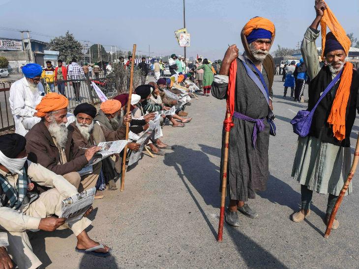 દિલ્હી-હરિયાણા બોર્ડર પર હાજર ખેડૂતો