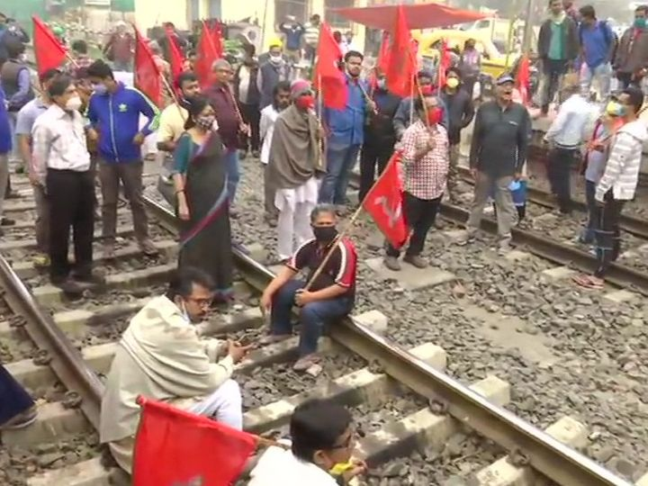 At the Jadavpur railway station in Kolkata, activists of the Left parties stopped the train and sat on the tracks.