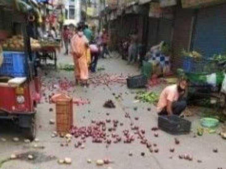 ભારત બંધમાં શાકભાજી ઉગાડતા ખેડૂતોએ જ રસ્તા પર શાકભાજી ફેંક્યા? જાણો વાઇરલ ફોટોનું સત્ય ઓરિજિનલ,DvB Original - Divya Bhaskar