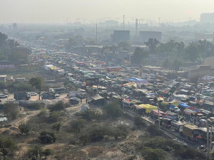 દિલ્હીની સિંધુ બોર્ડર પર આજે ખેડૂત આંદોલનનો 19મો દિવસ છે.