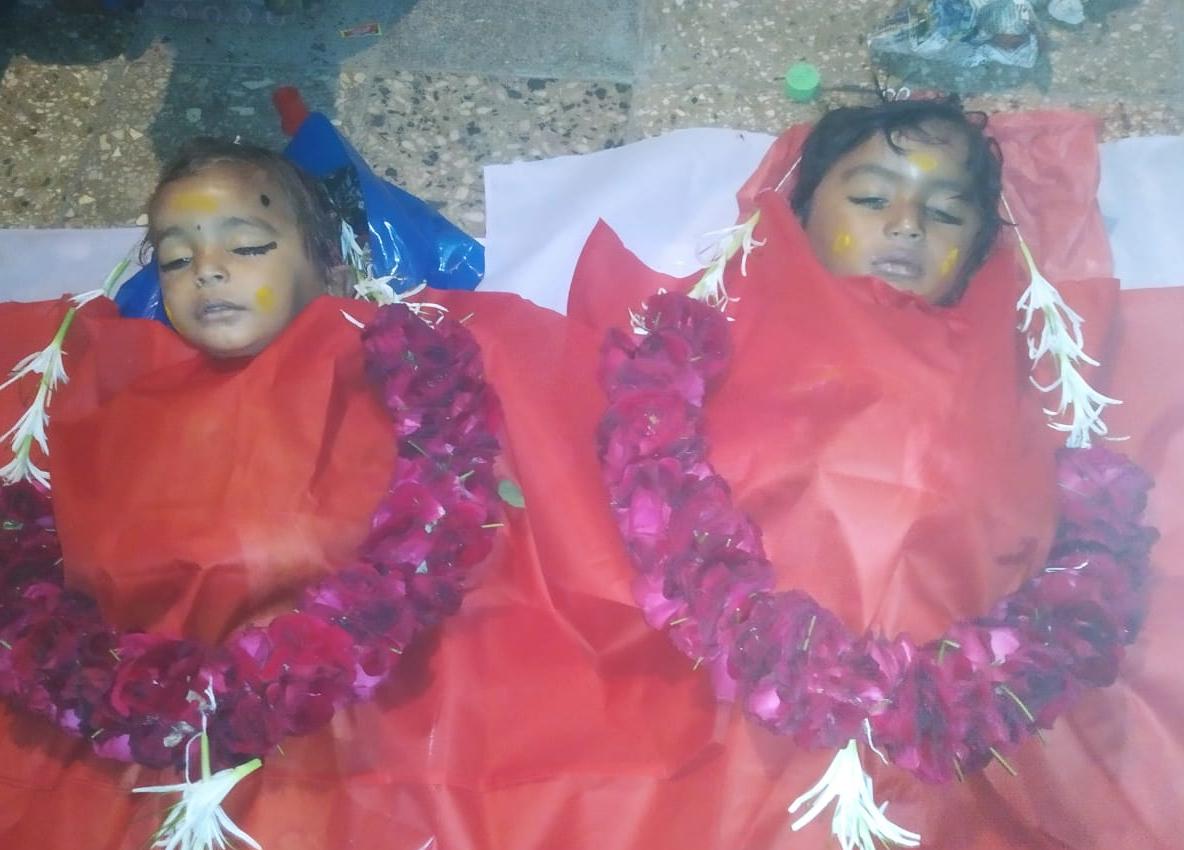 અમદાવાદના સિંધુભવન રોડ પર ક્રેટા કારે સાયકલ પર જતાં પરિવારને અડફેટે લીધો, 2 બાળકોના મોત, પતિ-પત્ની ઈજાગ્રસ્ત|અમદાવાદ,Ahmedabad - Divya Bhaskar
