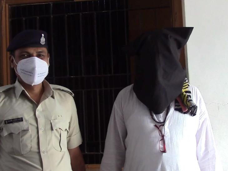 સુરતમાં બિટકોઈનના માસ્ટર માઈન્ડ શૈલેષ ભટ્ટની મુશ્કેલી વધી, વરાછા પોલીસે છેતરપિંડી અને વ્યાજના ગુનામાં ધરપકડ કરી, લાજપોર જેલમાંથી કબ્જો મેળવ્યો સુરત,Surat - Divya Bhaskar