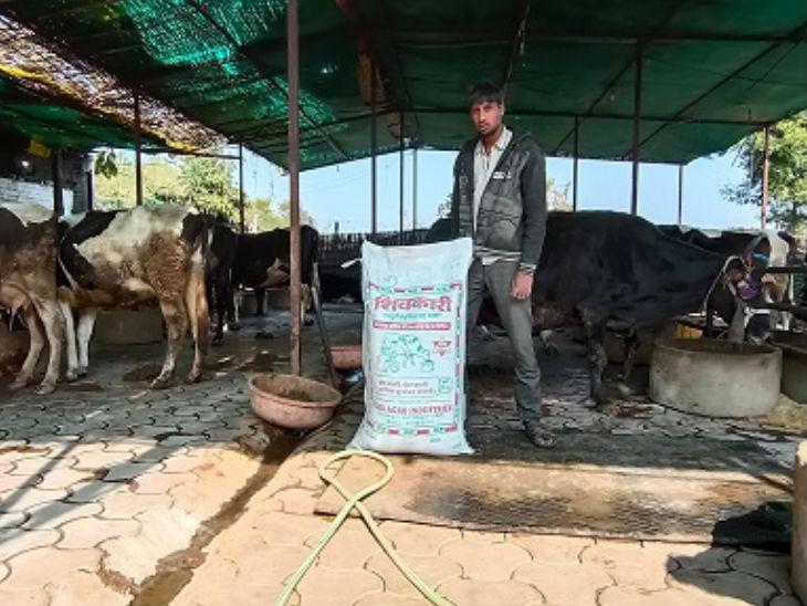વિપિને જણાવ્યું, રાજગઢ પાસેના ગામમાં તેમના 3 હજારથી વધુ રેગ્યુલર કસ્ટમર્સ છે.