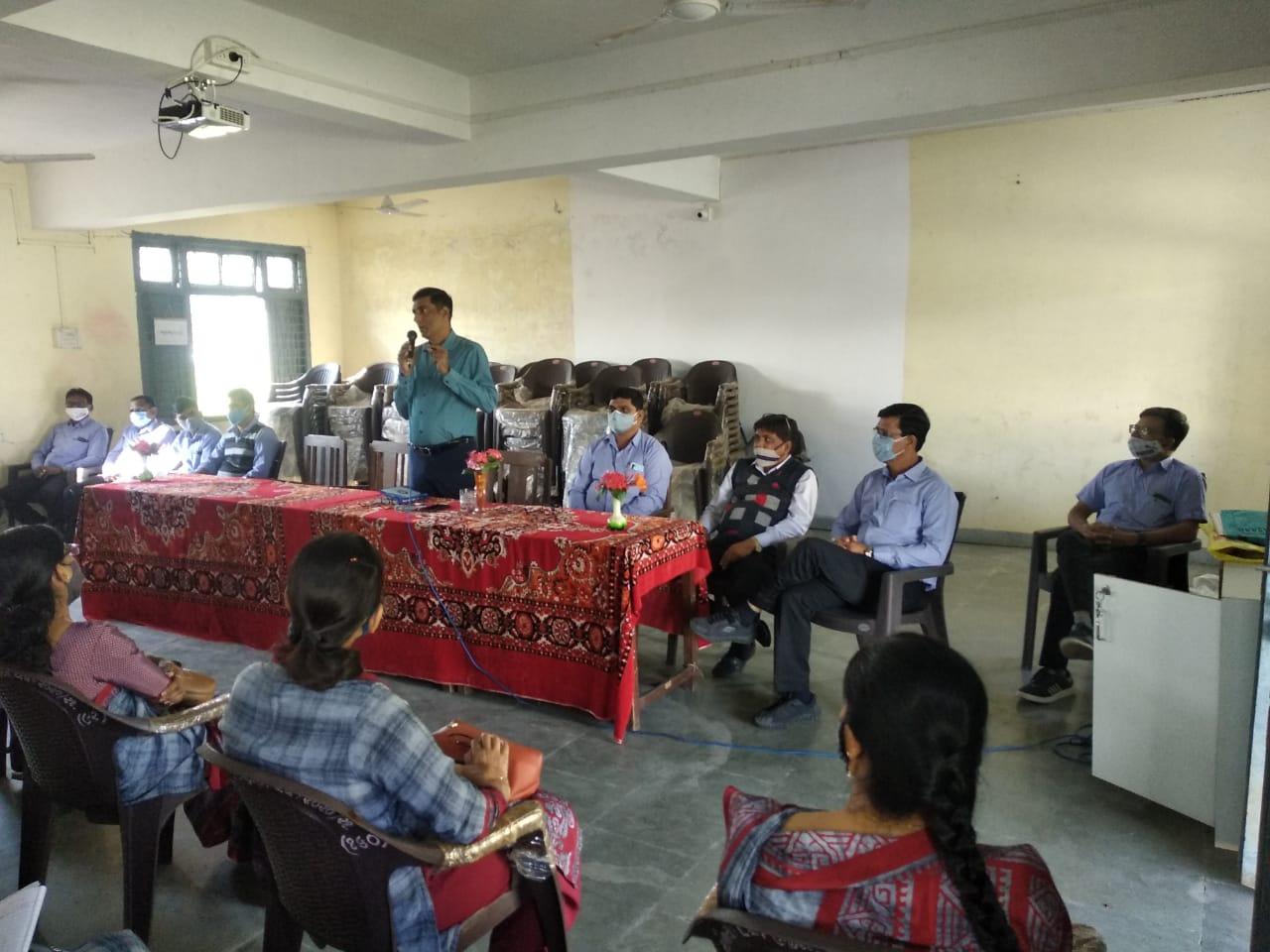 ઓલપાડમાં CRC તથા મુખ્યશિક્ષકો માટે એક દિવસીય માર્ગદર્શન શિબીર|બારડોલી,Bardoli - Divya Bhaskar