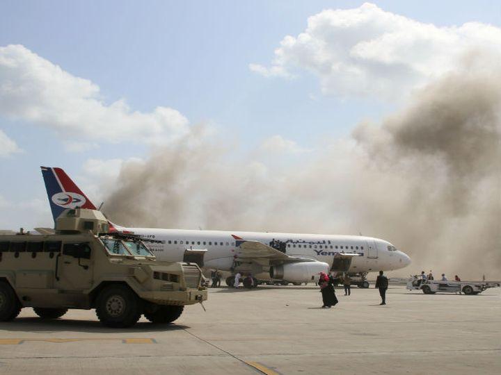 યમનના PM અને મંત્રીઓને લઈને આવેલું પ્લેન લેન્ડ થતાં જ બ્લાસ્ટ થયો, 22 લોકોના મોત|વર્લ્ડ,International - Divya Bhaskar