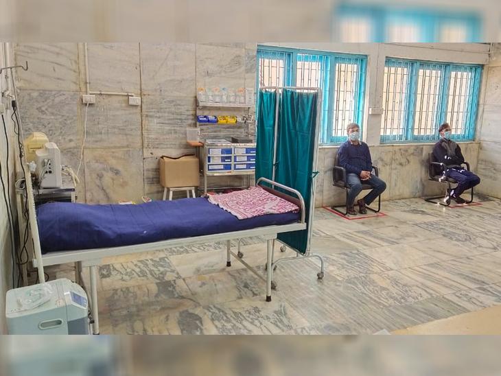 સ્ટેપ-4 - લાભાર્થીને રસી આપ્યા બાદ ઓબ્જર્વેશન રૂમમાં રખાયાં