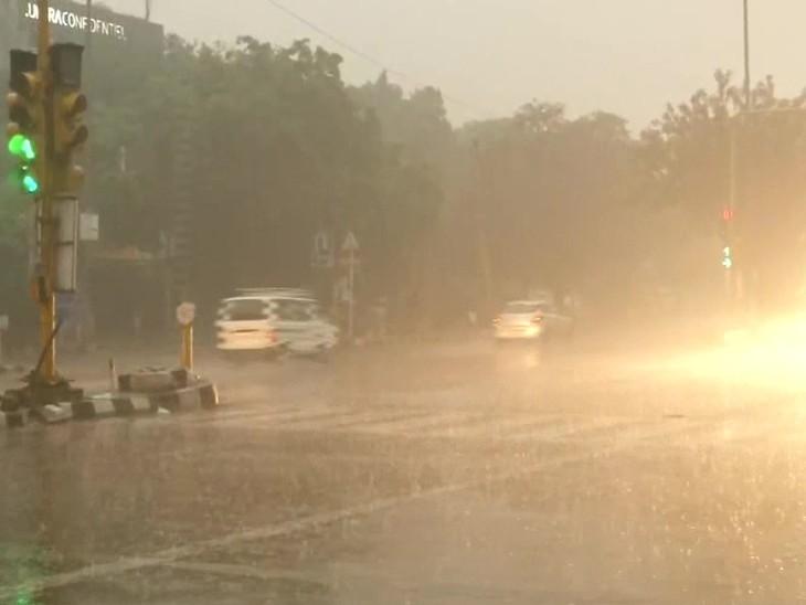 રવિવારે સવારે 9 વાગ્યાની તસવીર દિલ્હીના ગ્રીન પાર્ક વિસ્તારની છે