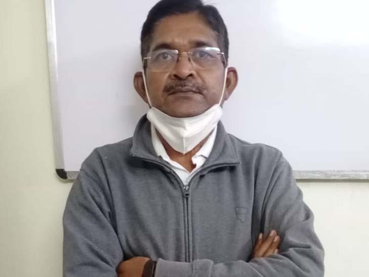 રામેશ્વર શરાફી મંડળીની ઓફિસમાંથી લેપટોપ, FD રજિસ્ટર, કેશ બુક કબજે|રાજકોટ,Rajkot - Divya Bhaskar
