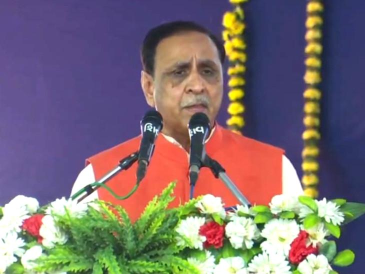 સુરતના માંડવીમાં મુખ્યમંત્રી રૂપાણીના હસ્તે 570 કરોડની કાકરાપાર-ગોરધા-વડ ઉદ્દવહન પાઈપલાઇન યોજનાનું લોકાર્પણ|સુરત,Surat - Divya Bhaskar