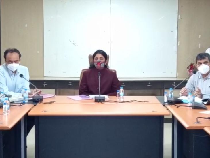 સુરતમાં રાષ્ટ્રીય મહિલા આયોગના સભ્યએ પોલીસ કમિશનર અને ક્લેક્ટર સાથે મહિલાઓ સાથે અત્યાચાર કરનારને કડક સજા થાય અંગે ચર્ચા કરી|સુરત,Surat - Divya Bhaskar