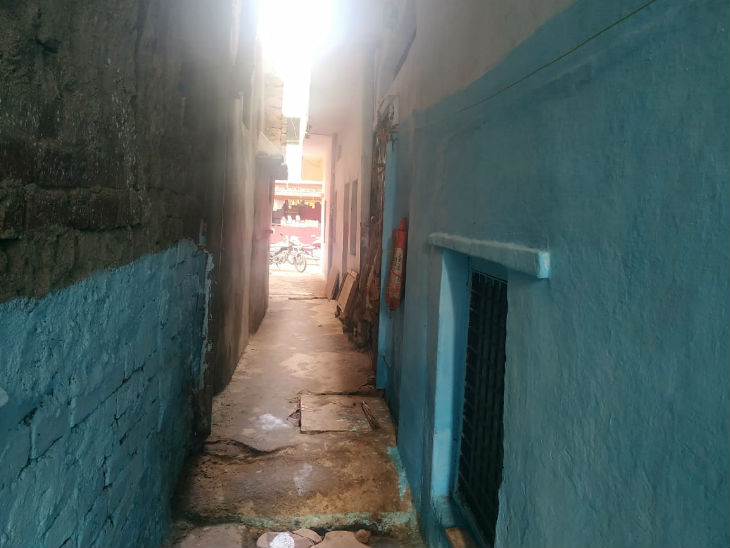 ભોપાલની ઈન્દિરા કોલોનીમાં રહેતો દીપક શ્રમિક હતો. તે ભાડાના રૂમમાં રહેતો હતો