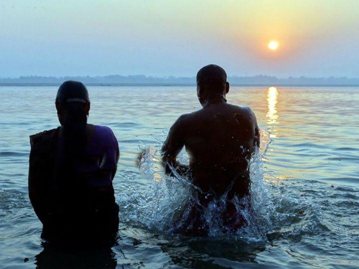 પિતૃઓ માટે આજે શ્રાદ્ધ કરવામાં આવશે, તે પછી 13 જાન્યુઆરીએ સ્નાન અને દાનની માગશર અમાસ રહેશે ધર્મ,Dharm - Divya Bhaskar