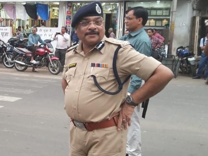 કેસરીસિંહને પોલીસ સેવામાં તેમના ઉત્કૃષ્ટ યોગદાન માટે પોલીસ મેડલથી પણ નવાજવામાં આવ્યા હતા