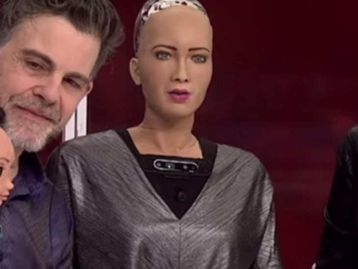 હેનસન રોબોટિક્સ કંપનીએ આ રોબો બનાવવાનું શરૂ કર્યુ છે. આ કંપની મોટી સંખ્યામાં આવા હ્યુમેનોઈડ રોબોનું નિર્માણ કરવા જઈ રહી છે. કંપનીના ચીફ એક્ઝિક્યુટિવ ડેવિડ હેનસન કહે છે કે કોવિડ-19 મહામારીના સમયમાં આઈસોલેટ લોકો માટે આ રોબોટ ખૂબ ઉપયોગી થશે, જેનો ઉપયોગ આ ઉપરાંત અનેક ઈન્ડસ્ટ્રીઝમાં થઈ શકશે.