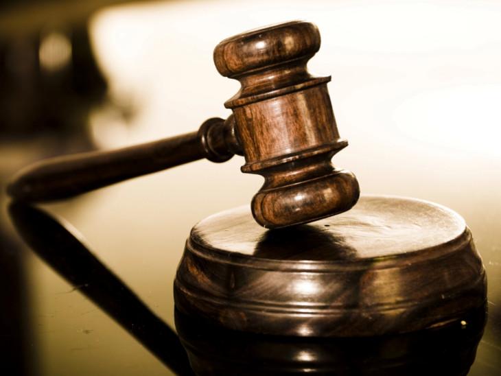 કોર્ટમાં ફિઝિકલ કાર્યવાહી શરૂ નહીં થાય તો વકીલો કરશે ધરણાં રાજકોટ,Rajkot - Divya Bhaskar