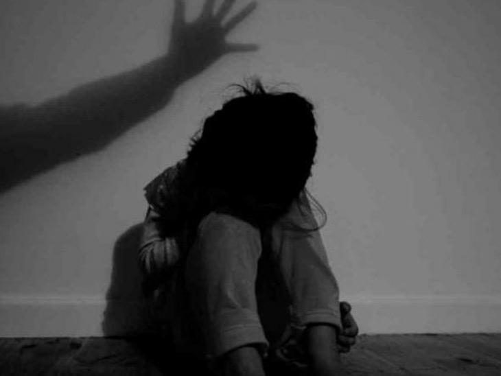 સગીરા સાથે મિત્રતા બાંધી યુવાને બળાત્કાર ગુજાર્યો અમદાવાદ,Ahmedabad - Divya Bhaskar