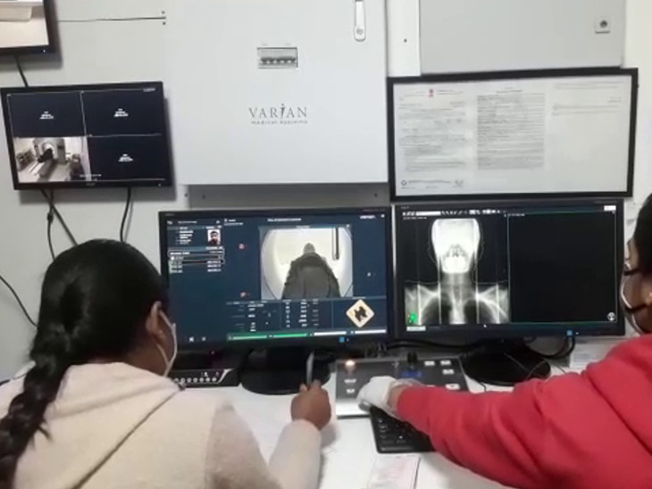 સૌરાષ્ટ્રની સૌથી મોટી રાજકોટની કેન્સર હોસ્પિટલમાં દર વર્ષે 5 હજાર નવા દર્દી સારવાર માટે આવે છે.