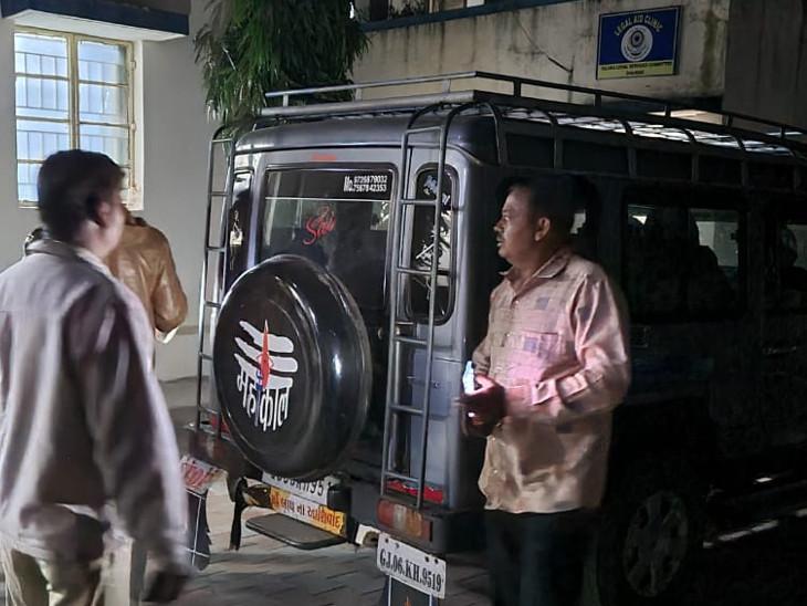 તુફાનમાંથી વિદેશી દારૂ અને બીયરનો 70,032 રૂપિયાની કિંમતનો જથ્થો મળી આવ્યો