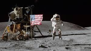 ચંદ્રની જમીન પર રમવામાં આવી હતી ગોલ્ફની રમત, સ્પેસ સૂટમાં છૂપાવી લઈ ગયા હતા ગોલ્ફ સ્ટીક અને બોલ ઈન્ડિયા,National - Divya Bhaskar
