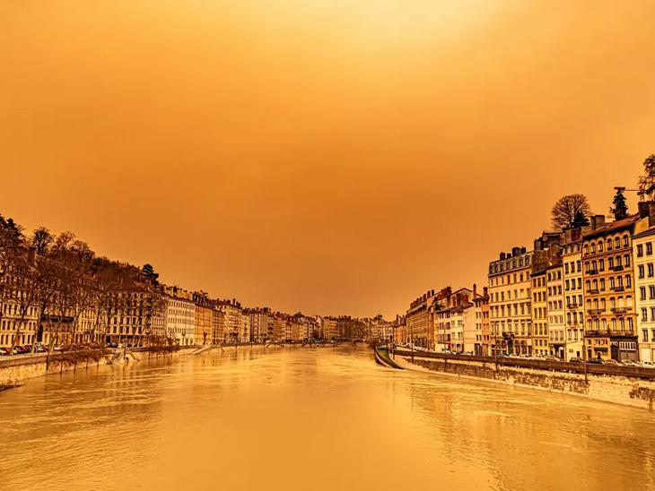 આકાશનો રંગ વાદળી હોય કે નારંગી?: બરફ ઓગળતાં જર્મનીમાં હાલાકી; ખેતરમાં પાક વધારવા ડાન્સિંગ LED લગાવો|ઈન્ડિયા,National - Divya Bhaskar