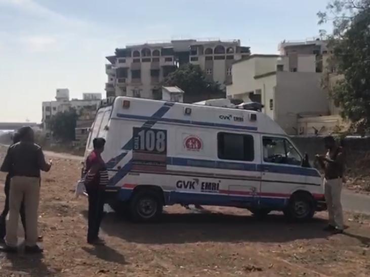 108 દ્વારા મહિલાને હોસ્પિટલ ખસેડાઈ