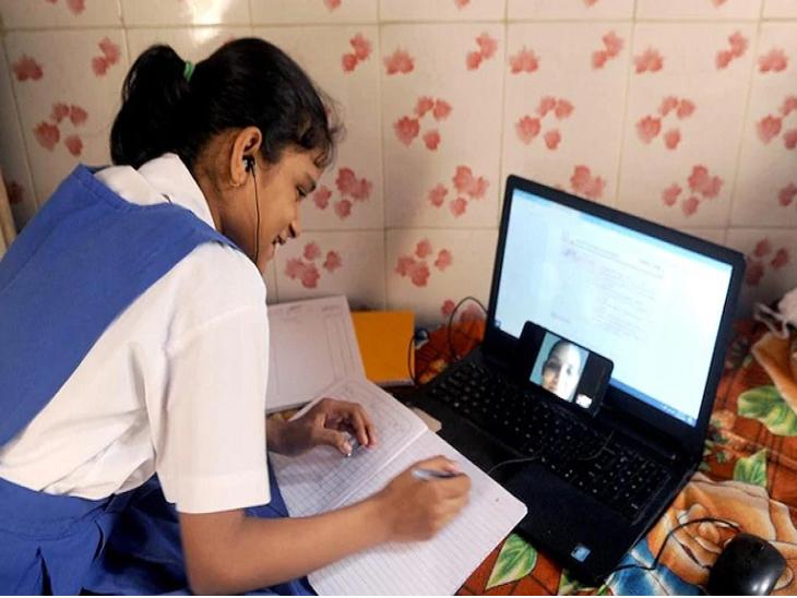 કોરોના મહામારીમાં સ્કૂલો બંધ રહેતા રાજ્યમાં 94 ટકા વિદ્યાર્થીઓએ ઘેરબેઠાં ઓનલાઇન શિક્ષણ મેળવ્યું, 5.72 ટકા વિદ્યાર્થીઓ શિક્ષણથી વંચિત|અમદાવાદ,Ahmedabad - Divya Bhaskar