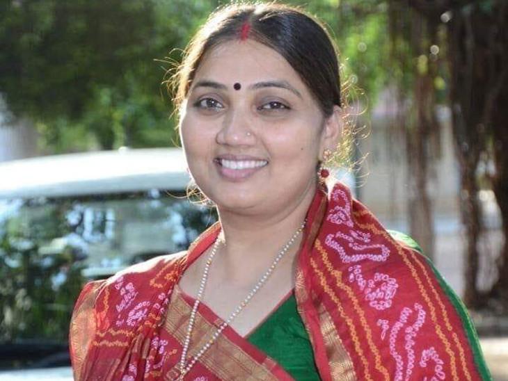 ભાજપનાં પૂર્વ MLA ભાનુબેન બાબરિયા મનપાની ચૂંટણી લડશે, 3.29 કરોડની ફિક્સ ડિપોઝિટ, 24 લાખનું સોનું, 10 લાખની જમીન, એકપણ ગુનો નહીં|રાજકોટ,Rajkot - Divya Bhaskar